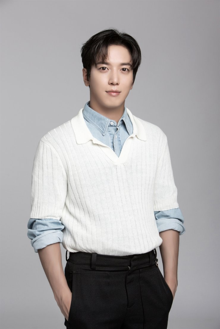 Singer and actor Jung Yong-hwa played a con man in KBS's occult comedy series, 'Sell Your Haunted House.' Courtesy of FNC Entertainment
