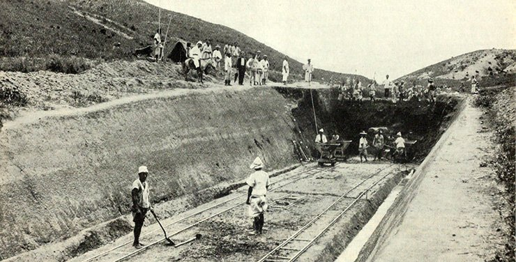 Construction of the railroad between Seoul and Jemulpo / The Railway Age, March 25, 1898