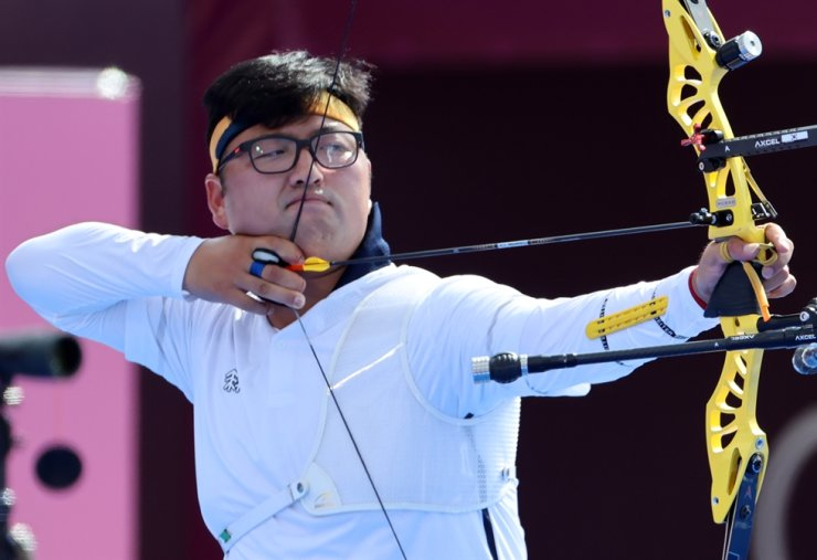 Kim Woo-jin was knocked out in the men's individual archery event at the Tokyo Olympics, Saturday, unable to help South Korea complete a clean sweep of gold medals in Japan. Yonhap