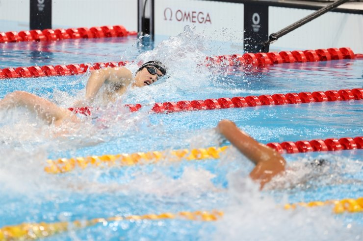 Hwang Sun-woo competes in the men's 200m freestyle event of the Tokyo Olympics in Tokyo, July 27. Yonhap