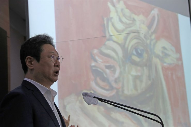 Culture Minister Hwang Hee speaks during a press briefing at the Central Government Complex in Seoul, Wednesday. Courtesy of Ministry of Culture, Sports and Tourism
