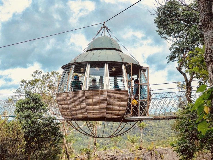 A bamboo air house is situated in the middle of a long bridge at Masungi Georeserve in the Philippines. Courtesy of Philippine Department of Tourism Korea