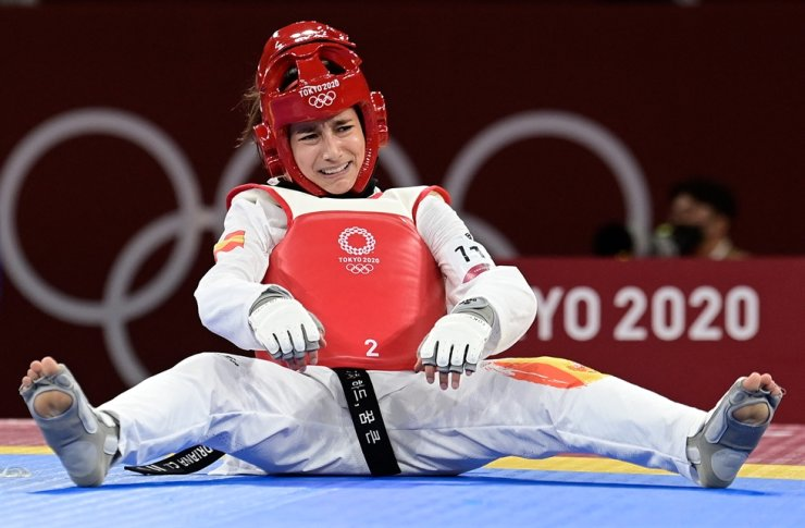 Spain's Adriana Cerezo Iglesias reacts after the women's -49kg taekwondo final match, during the Tokyo 2020 Olympic Games at the Makuhari Messe Hall in Tokyo, Saturday. AFP-Yonhap
