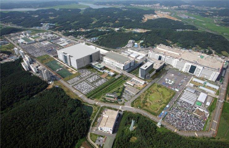 LG Display's production plants in Paju, Gyeonggi Province / Courtesy of LG Display