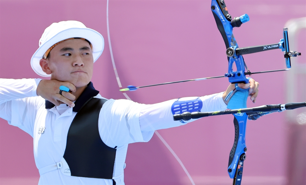 Archer Kim Je-deok appears on SBS's variety show 'Finding Genius' in 2016 at the age of 12 as the 'archery genius.' Now 17 years old, Kim has won the gold medal in the mixed team event at the Tokyo Olympic Games, Saturday. Courtesy of SBS