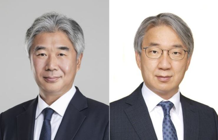 Lee Ki-heon, left, and Lee Won-koo / Yonhap
