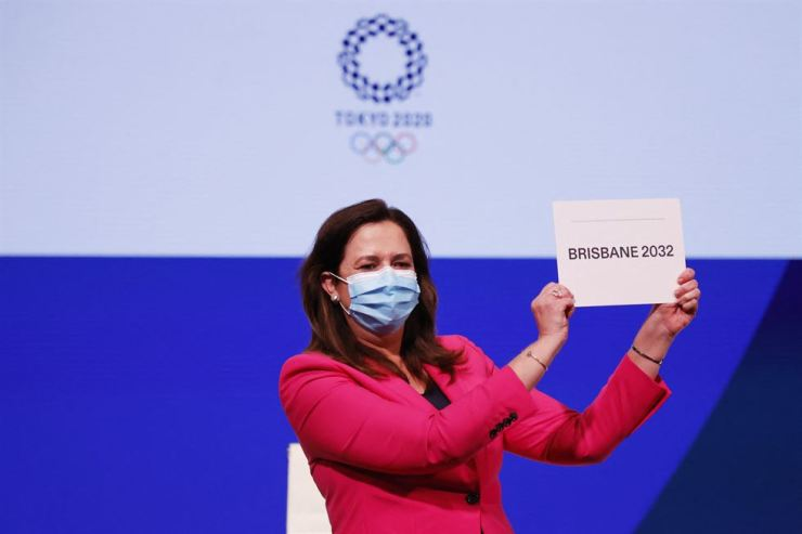 Queensland Premier Annastacia Palaszczuk celebrates after Brisbane was announced as the 2032 Summer Olympics host city during the 138th IOC Session at Hotel Okura in Tokyo, Wednesday. AFP-Yonhap