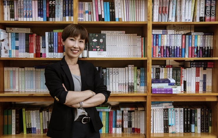 Jeong You-jeong, author of best-seller 'Perfect Happiness,' pose during a Korea Times interview at the Seoul-based publishing house EunHaengNaMu headquarters on Wednesday. Korea Times photo by Kang Hyun-kyung