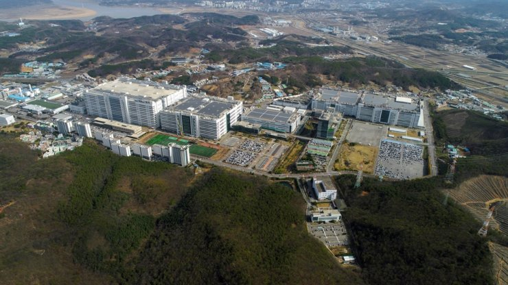 LG Display's production cluster in Paju, Gyeonggi Province / Courtesy of LG Display