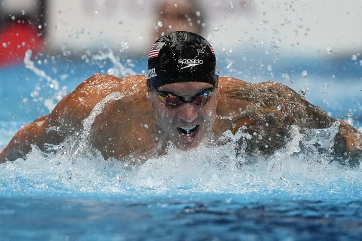 Caeleb Dressel of the U.S. swims in the men's 4x100-meter medley relay final at the 2020 Summer Olympics in Tokyo, Japan, Aug. 1. AP-Yonhap