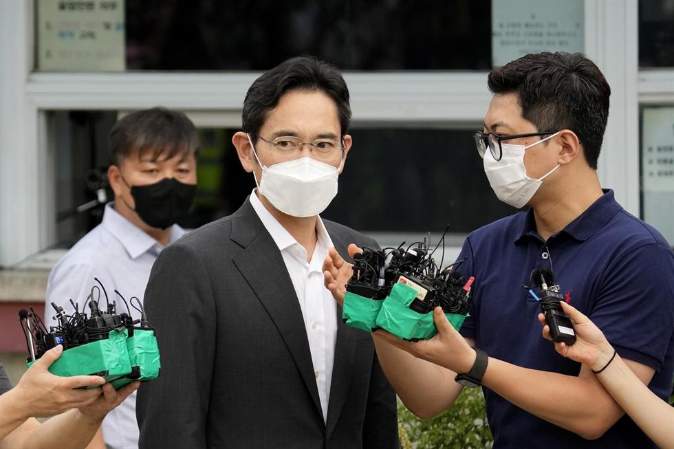 A Moderna COVID-19 vaccine / Reuters-Yonhap