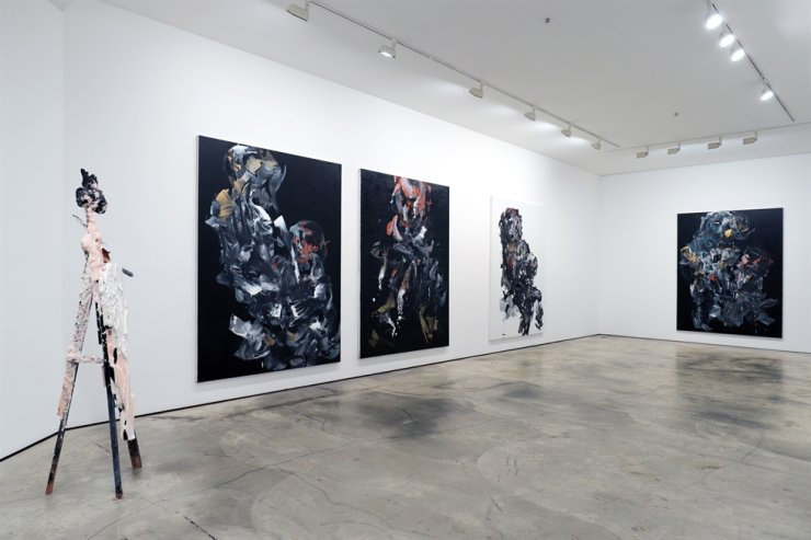 Installation view of artist Kim Gil-hu's solo exhibition, 'The Night of Chaos,' at Hakgojae Art Center / Courtesy of Hakgojae Art Center