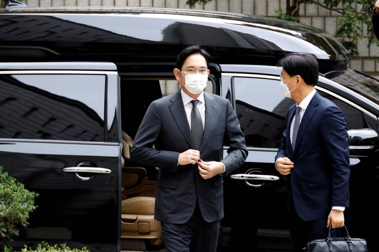 Samsung leader Lee Jae-yong arrives at a court in Seoul in this file photo. Reuters-Yonhap