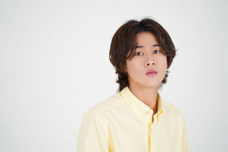 Singer-songwriter Lee Mu-jin / Courtesy of ShowPLAY Entertainment