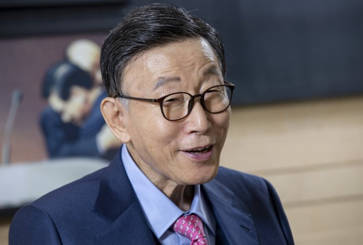 Rev. Cho Yong-gi, founder and senior pastor of the Yoido Full Gospel Church, speaks during an interview with The Korea Times at the church office, Seoul, March 27, 2020. Korea Times photo by Shim Hyun-chul