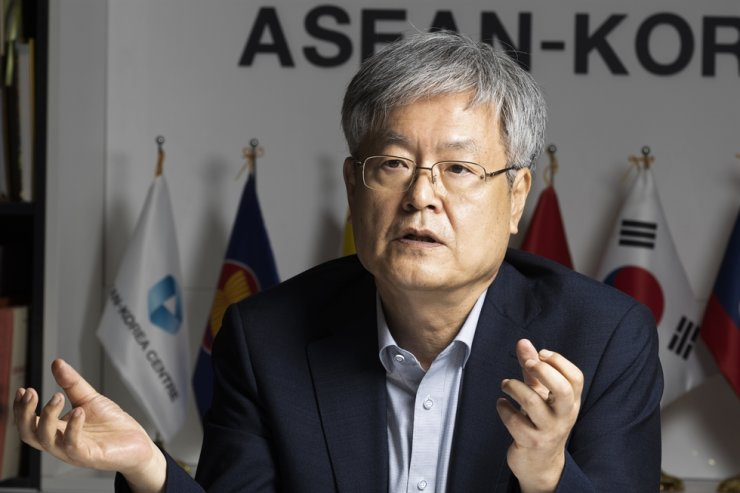 ASEAN-Korea Centre Secretary-General Kim Hae-yong speaks during an interview with The Korea Times at the intergovernmental organization's headquarters in central Seoul, Sept. 13. Korea Times photo by Choi Won-suk