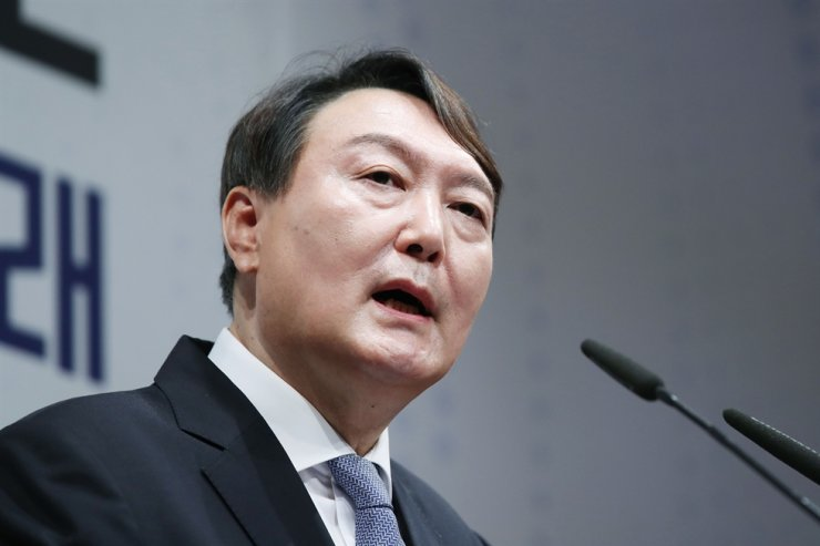 Former Prosecutor General Yoon Seok-youl speaks during a press conference at the Yun Bong-gil Memorial Hall in southern Seoul, June 29. Yonhap