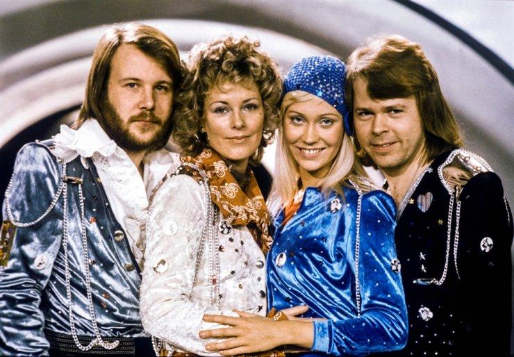 In this 1974 February file photo, Swedish pop group Abba: Benny Andersson, Anni-Frid Lyngstad, Agnetha Faltskog and Bjorn Ulvaeus pose after winning the Swedish branch of the Eurovision Song Contest with their song 'Waterloo.' Reuters-Yonhap