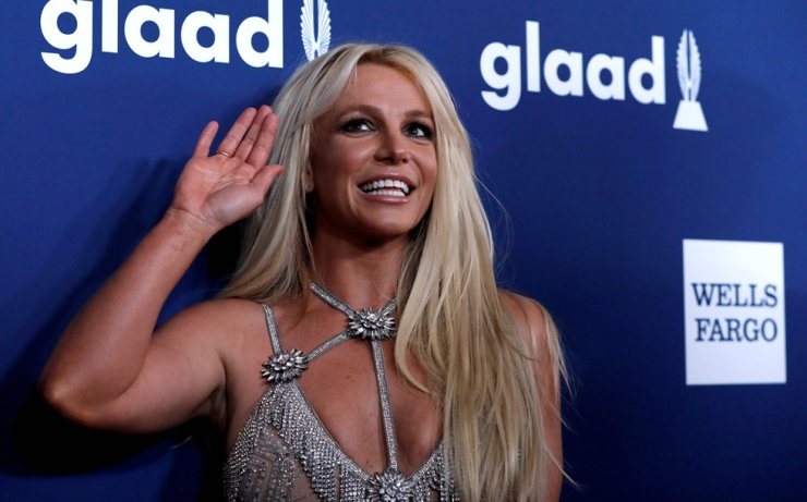 Britney Spears poses at the 29th Annual GLAAD Media Awards in Beverly Hills, Calif., April 12, 2018. Reuters-Yonhap
