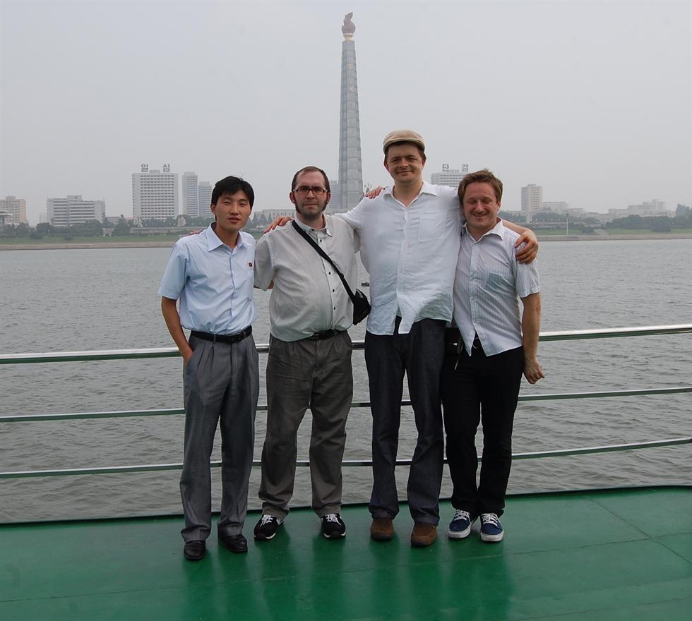 Michael Spavor has lunch in Pyongyang in August 2010. / Courtesy of Jon Dunbar