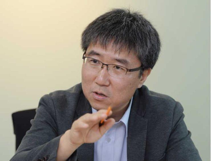 Professor Chang Ha-joon / Korea Times file