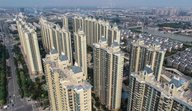 This aerial photo taken on Sept. 17 shows a housing complex by Chinese property developer Evergrande in Huaian in China's eastern Jiangsu province. AFP-Yonhap