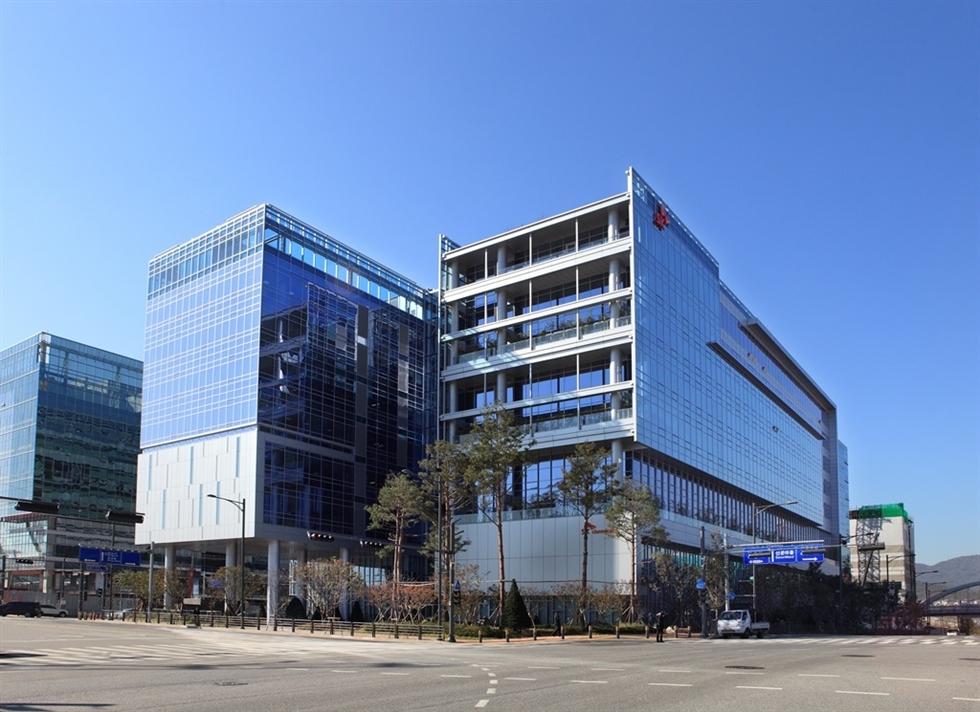 Hanssem headquarters in Seoul / Courtesy of Hanssem
