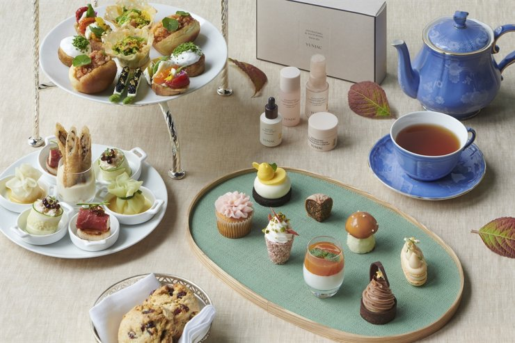 JW Marriott Hotel Seoul offers the 'Fall in Love Afternoon Tea' set at The Lounge until the end of November. Courtesy of JW Marriott Hotel Seoul