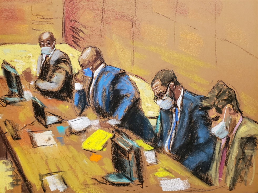 In this Sept. 17, 2019, file photo, R. Kelly appears during a hearing at the Leighton Criminal Courthouse in Chicago. The R&B superstar known for his anthem 'I Believe I Can Fly,' was convicted Monday in a sex trafficking trial after decades of avoiding criminal responsibility for numerous allegations of misconduct with young women and children. AP-Yonhap