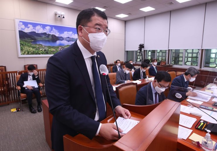 First Vice Minister of Foreign Affairs Choi Jong-kun speaks during a National Assembly Foreign Affairs and Unification Committee meeting at the Assembly in Seoul, Tuesday. Joint Press Corps