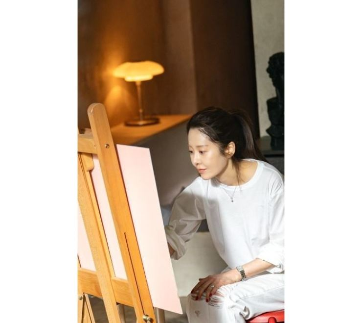 Actress Ko Hyun-jung in a scene from JTBC's series, 'Reflection of You' / Courtesy of JTBC