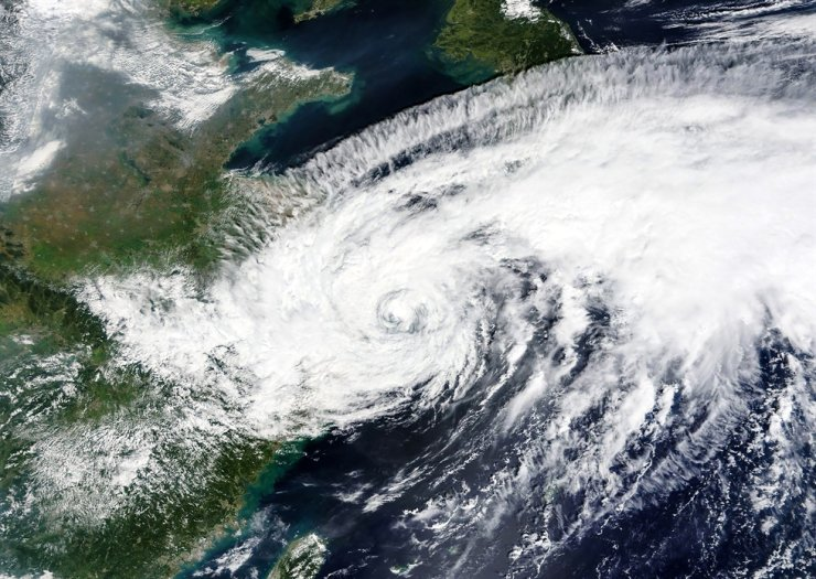 This Sept. 14 satellite image released by NASA shows Typhoon Chanthu lingers offshore, east of Shanghai, China. The typhoon is expected to bring heavy rains in southern regions of Korea later this week. AP-Yonhap