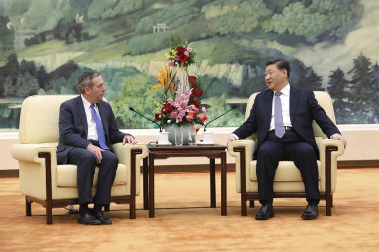 In this March 20, 2019, file photo, Chinese President Xi Jinping, right, meets with Harvard University President Lawrence Bacow at the Great Hall of the People in Beijing. AP-Yonhap