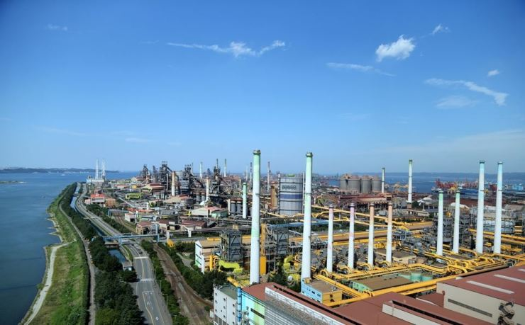 POSCO steel mill in Pohang, North Gyeongsang Province / Korea Times file