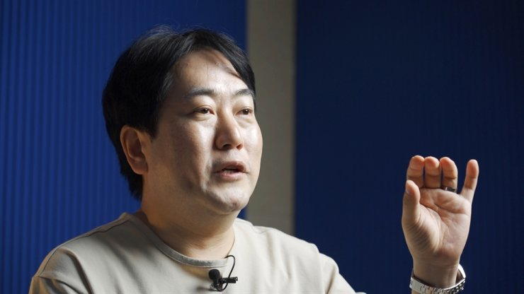 Lee Sang-hwan, co-founder and CEO of Conexus Lab, speaks during a recent interview with The Korea Times at his company's headquarters in Dongdaemun District in Seoul. Korea Times photo by Kim Kang-min
