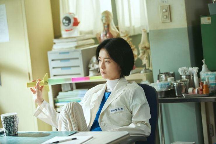 Ahn Eun-young, a high school nurse featured in