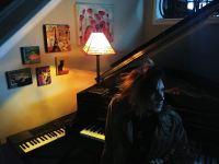 Kamen Ross throws everything at piano keys