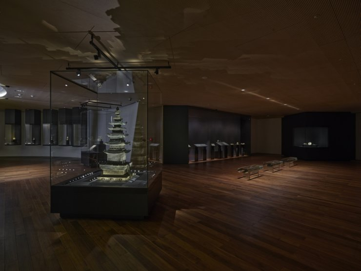 Installation view of the permanent showcase of the museum's traditional Korean art collection / Courtesy of Leeum