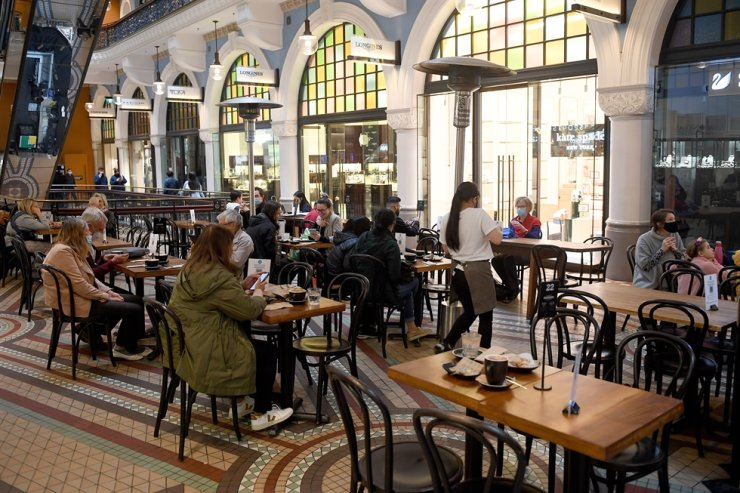 A general view of a cafe in the Queen Victoria Building in Sydney, Oct. 12. EPA-Yonhap