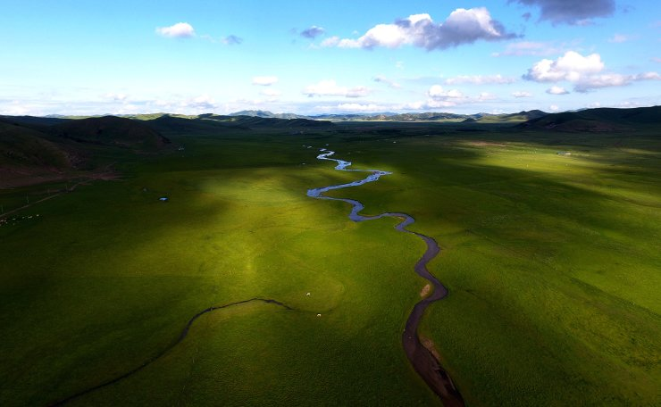 Aerial photo taken on July 23, 2019 shows the pasture scenery in West Ujimqin Banner, north China's Inner Mongolia Autonomous Region. Xinhua