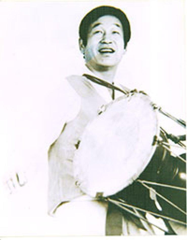 The late Lee Eun-gwan was a master of pansori 'Baebaengi Gut.'
