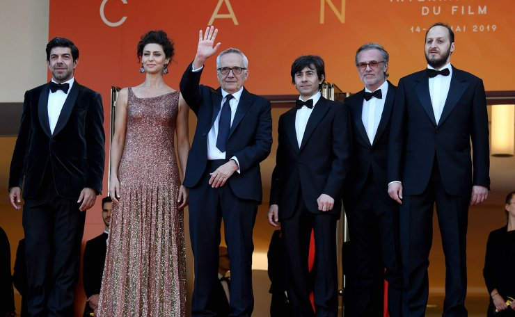Italian actor Pierfranceso Favino, Italian actress Maria Fernanda Candido, Italian director Marco Bellocchio, Italian actor Luigi Lo Cascio, Italian actor Fabrizio Ferracane, and Italian actor Fausto Russo Alesi, pose as they arrive for the screening of the film 'The Traitor (Il Traditore)' at the 72nd edition of the Cannes Film Festival in Cannes, southern France, on May 23, 2019. AFP