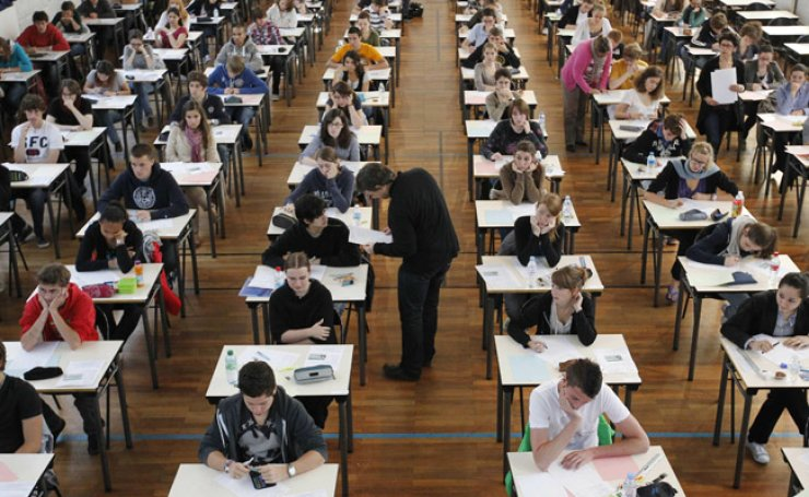 Korean has been designated an official foreign language subject for college entrance exam in France. / Yonhap