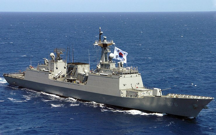South Korean warship Munmu the Great, above, was dispatched to the sea off Ghana to search and rescue three South Korean sailors who were possibly kidnapped by unidentified pirates on Monday. / Courtesy of Wikipedia