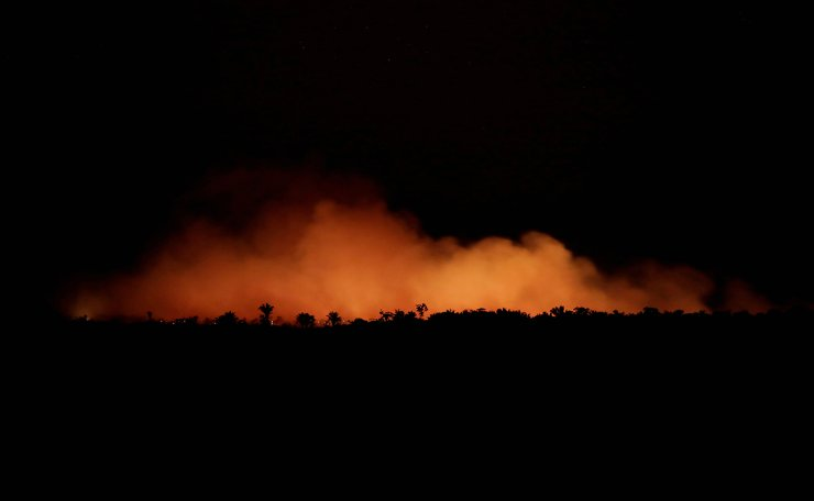 Smoke billows during a fire in an area of the Amazon rainforest near Humaita, Amazonas State, Brazil, Brazil August 17, 2019. Picture Taken August 17, 2019. Reuters