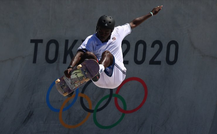 Tokyo 2020 Olympics - Skateboarding - Men's Park - Preliminary Round - Ariake Urban Sports Park - Tokyo, Japan - August 5, 2021.Zion Wright of the United States in action. REUTERS
