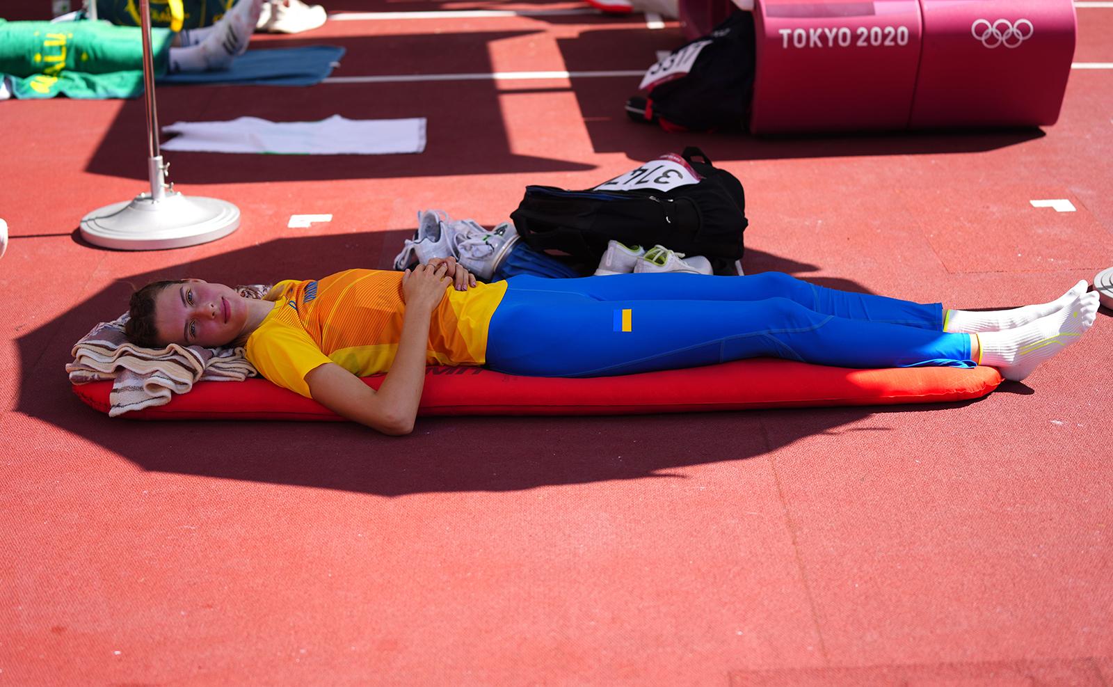 Tokyo 2020 Olympics - Athletics - Women's High Jump - Qualification - Olympic Stadium, Tokyo, Japan - August 5, 2021. Yaroslava Mahuchikh of Ukraine before competing. REUTERS