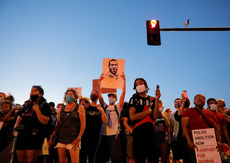 Protesters gather amid nationwide unrest following the death in Minneapolis police custody of George Floyd, in Minneapolis, Minnesota, U.S., June 1, 2020. REUTERS