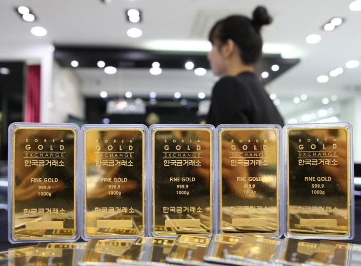Gold Bars Are On Display At The Korea Exchange In Seoul Friday Price Of Has Risen Steeply Late As Value Dollar Depreciated