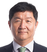 U.S. Ambassador to Korea Harry Harris ― without mustache.